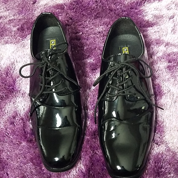 Stacy Adams Shiny Patent Leather Shoes